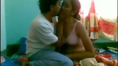 Tamil Aunty fucked by her lover awesome film