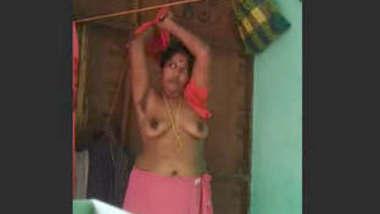Mallu Aunty Chnaging Cloths Record In Hidden Cam
