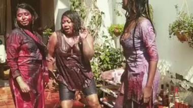 Desi Girls On Holi