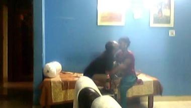 Bhabhi Boobs Show From Blouse.