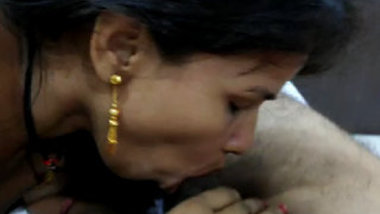 Desi bhabi sucking husband cock-2