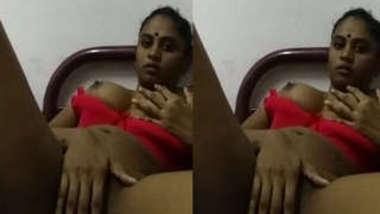 Brown-skinned Indian love slowly masturbates her XXX snatch in sex video