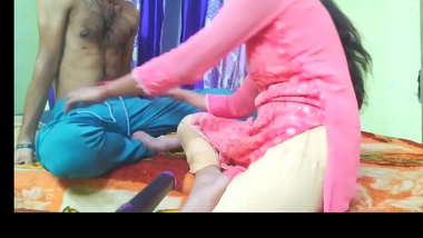 Indian sexy Hindi video. My sexy friends mom