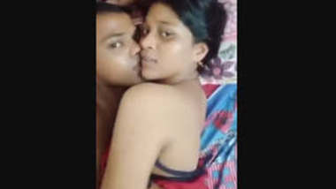 Desi Lovers Doing Romance On Bed Mms