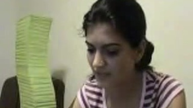 Aishwarya Showing Boobs - Movies.