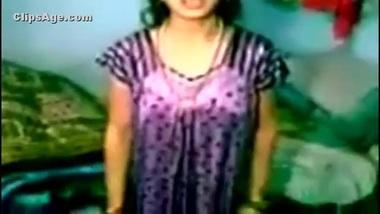 Desi Village Local mallu lady exposing herself...