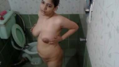 Naughty Indian Girlfriend Records Having Bath For Her Bf
