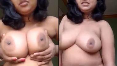 Beautiful horny Bengali unsatisfied Boudi fingering