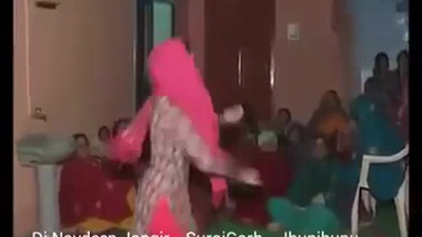 Haryanvi Bhabhi Dancing - Movies. video2porn2