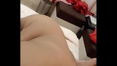 Indian Desi Girl(Escort) giving Blowjob to me in OYO room Video 2