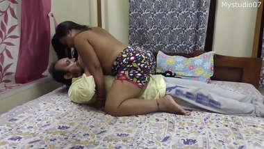 Indian teacher secret sex with sexy single moms!! One time boyfriend; Amateur sex