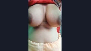 Desi Bhabhi Jiggling Her Big Boobs