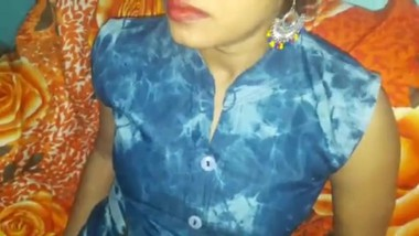 Indian housewife wearing blue bra in horny mood pussy licking and blowjob hot sex