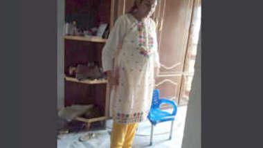Pregnant Paki Wife Updates