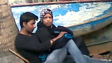 Young lovers' quick outdoor sex mms scandal