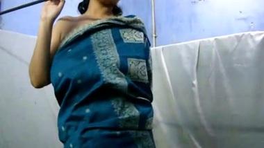 Huge Breasted Desi WIFE Savita Bhabhi