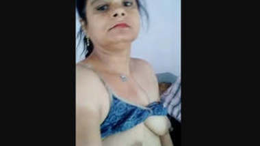 Horny Bhabhi Nude Dancing